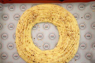 immagine anello di pasta choux per paris-brest su biancolievito