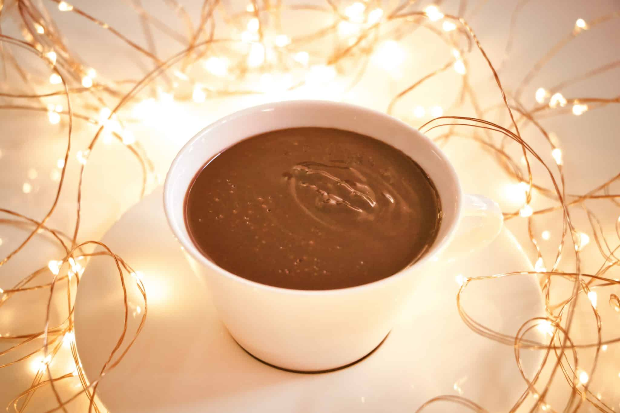 immagine della cioccolata in tazza su biancolievito